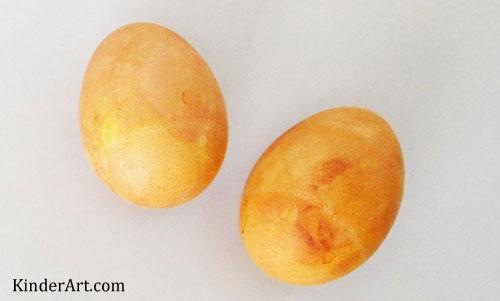 Make Onion Skin Eggs with KinderArt.com